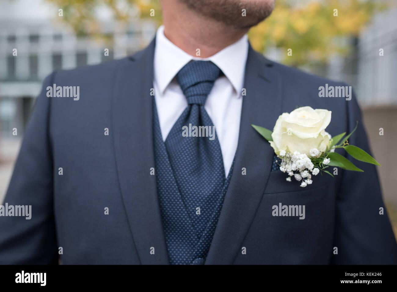 Symbolisch, symbolbild bräutigam, novio. blauer anzug